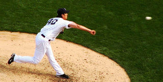 Pitching by cricechen - flickr